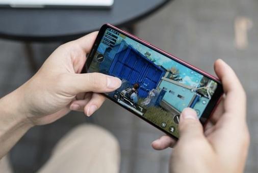 外观丑价格贵质量差游戏手机是伪需求